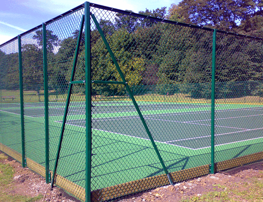 manor-fencing-commercial-chainlink-fence1