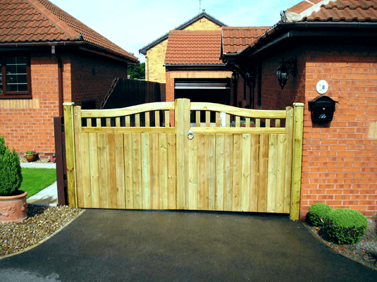 manor-fencing-home-new-gates-13
