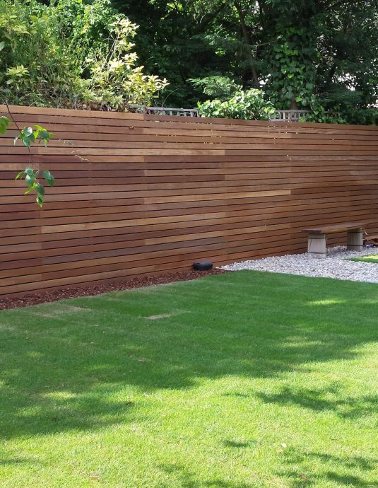 Venetian-Hardwood-Fencing-Dartford